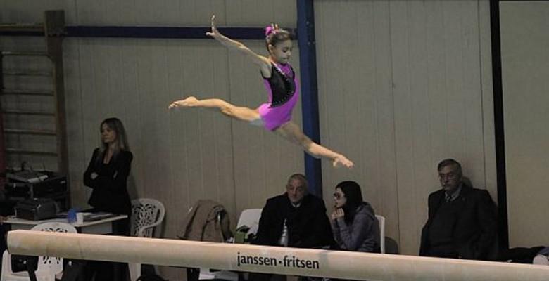 La giovanissima Sofia De Santis durante una prova