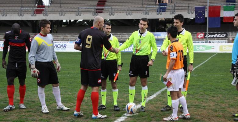 Samb - Portorecanati 3-1, ingresso in campo
