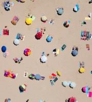 Ombrelloni in spiaggia (repubblica)