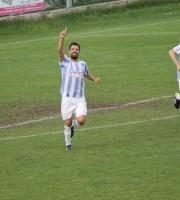 Esultanza di Saverio Mastrojanni dopo il suo gol (del momentaneo 2-0) all'Elpidiense