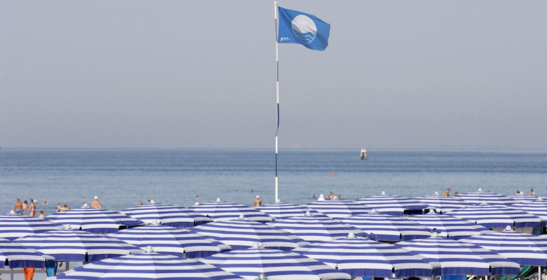 La bandiera blu quest'anno non sventolerà sulle spiagge di Martinsicuro