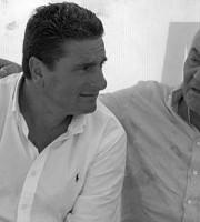 Angelo Deodati, a destra, con l'ex arbitro DeSantis (Solobari.it)