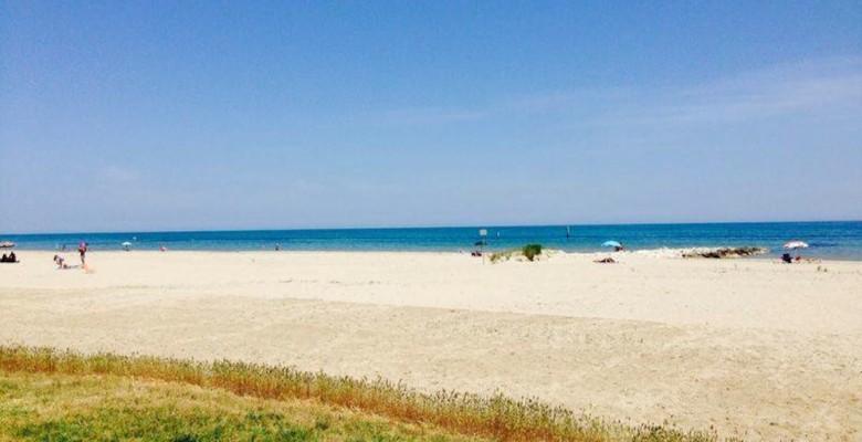 Un tratto di spiaggia libera di Martinsicuro