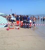 I soccorsi in spiaggia