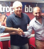23 maggio 2014: stretta di mano  tra Vincenzo Longo, Gianni Moneti e William Longo