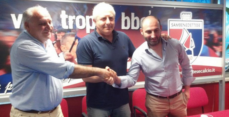 23 maggio 2014: stretta di mano  tra Vincenzo Longo, Gianni Moneti e William Longo