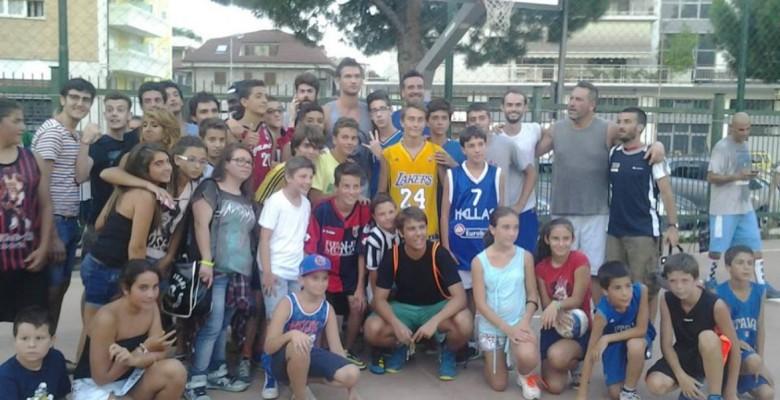 Foto di gruppo con Danilo Gallinari (foto di Leonardo delle Noci)