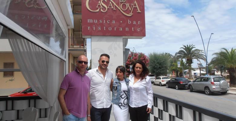 Segretario dell'associazione albergatori Andrea Perugini, ristoratori Francesco Russi e Isabella Felicioni, organizzatrice della sfilata Sabrina Calvaresi