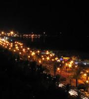 Una bellissima immagine notturna di San Benedetto del Tronto