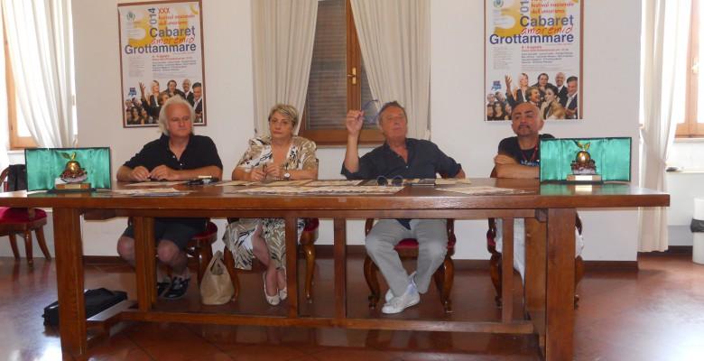 Enzo Iacchetti alla presentazione del Cabaret