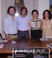 il direttore artistico Federico Paci, il sindaco di Grottammare Enrico Piergallini, il presidente della Fondazione gioventù musicale d'Italia-sez Petrini Rita Virgili