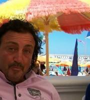L'ex rossoblu Giovanni Manari, stroncato a 55 anni da un malore improvviso