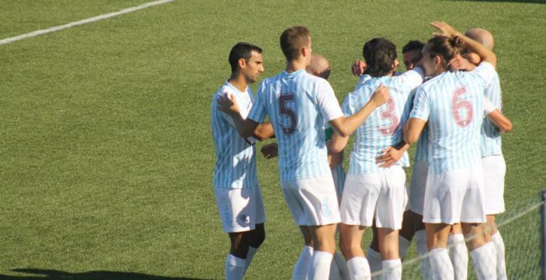 Nella foto l'esultanza dopo il 1° gol del Porto d'ascoli in Eccellenza realizzato da Biancucci su rigore