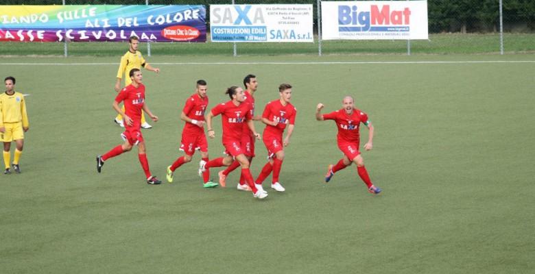 Esultanza Porto d'Ascoli calcio dopo il gol partita di Federico Angelini contro la Folgore Falerone.