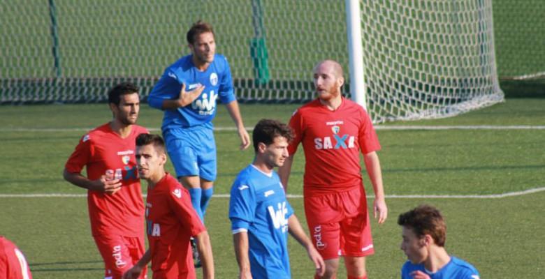 Un momento della gara Porto d'Ascoli-Monticelli 0-0