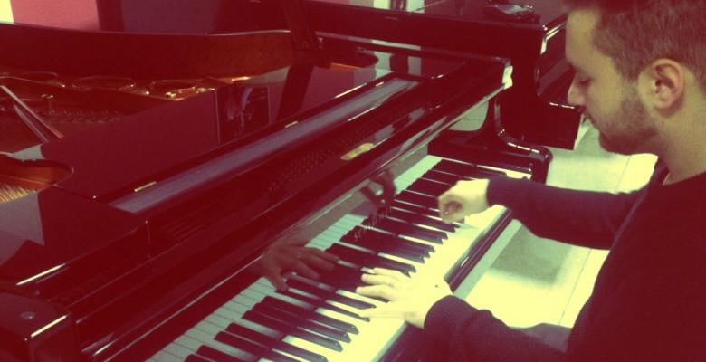 Federico Falasca Zamponi al pianoforte