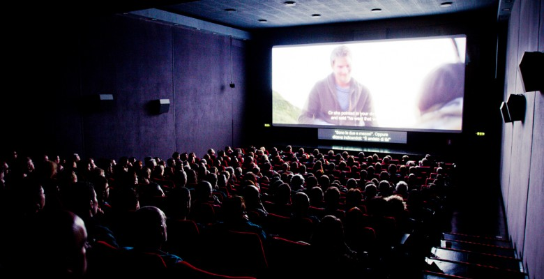 Cinema, polemiche al Palariviera