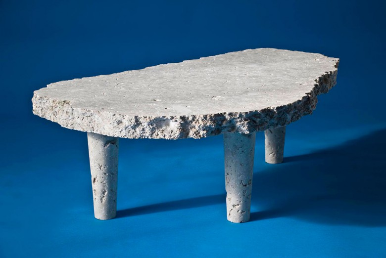 Un tavolo di pietra