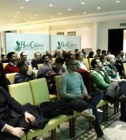 Il pubblico presente al primo incontro del ciclo Capire l'economia con la Mmt