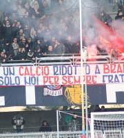 Tifosi della Samb salutano i gemellati della Civitanovese, foto Bianchini