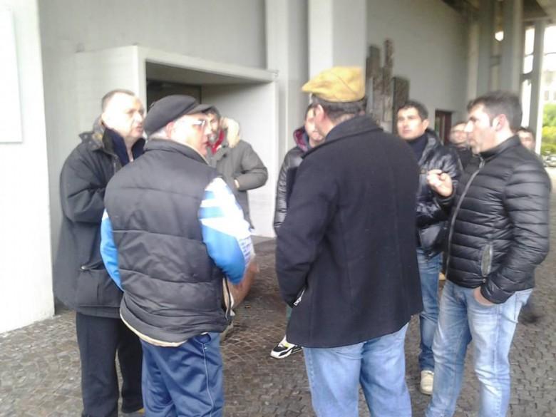Delegazione di pescatori in Municipio