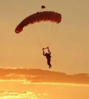 Paracadutismo (foto di repertorio)