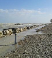 Pista ciclabile Cupra-Grottammare ai tempi dell'erosione (foto di repertorio)