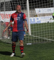 Tozzi Borsoi esulta dopo l'effimero pareggio alla Vis Pesaro foto bianchini