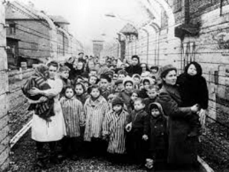 Deportazione (foto tratta dal sito lastampa.it)
