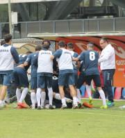 Samb-Maceratese 1-1, Tozzi Borsoi festeggiato dai compagni