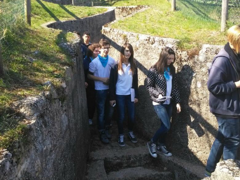 Studenti in visita nelle trincee