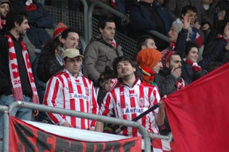 Tifosi della Maceratese a San Benedetto, foto Giammusso