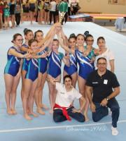Le ragazze della GpT/GAF con gli allenatori