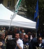 Salvini durante il comizio a San Benedetto (foto di Leonardo delle Noci)
