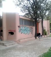 Graffiti ai bagni pubblici, maggio 2015