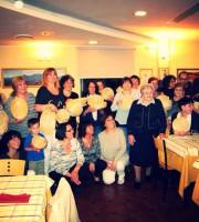Le partecipanti e le maestre del corso per pagliarole