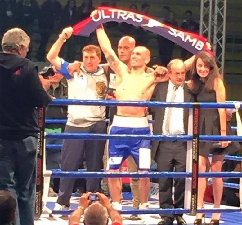 Roberto Bassi festeggia la vittoria come campione italiano dei Supermedi, foto di Emanuele Gabrielli