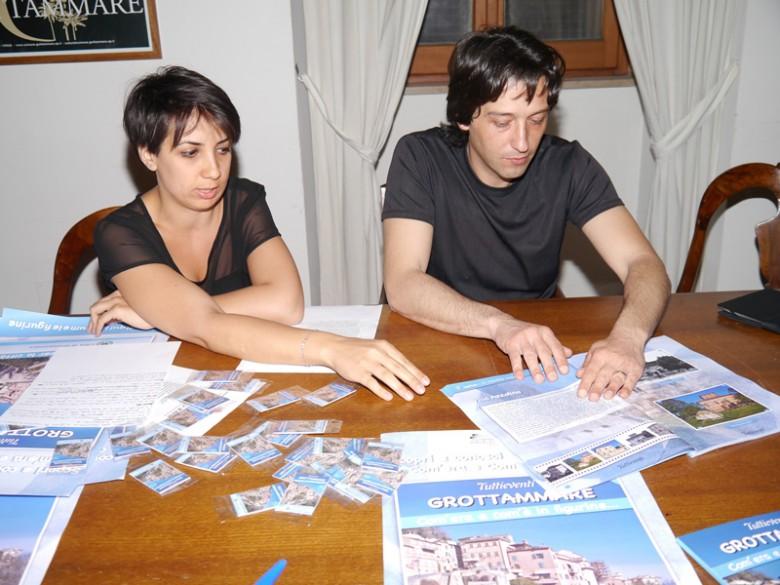 il Cons. comunale Monica Pomili e il Sindaco Piergallini