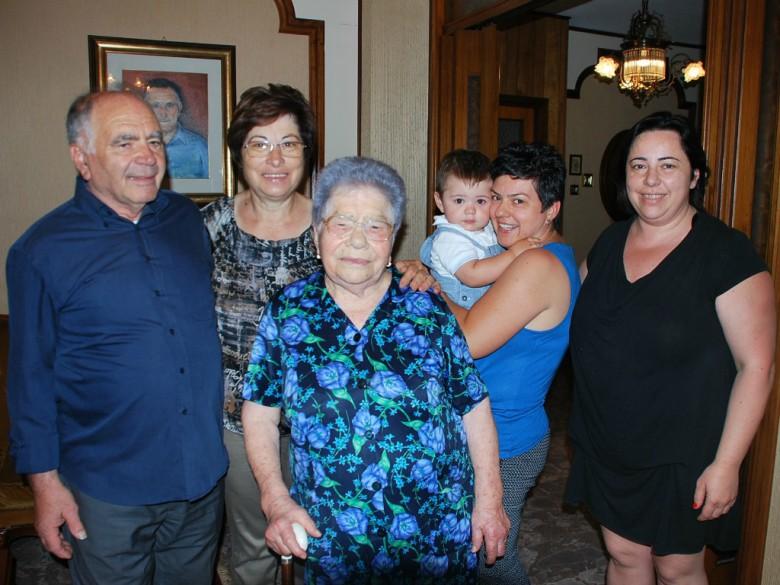 Giuseppina Corsini con la famiglia