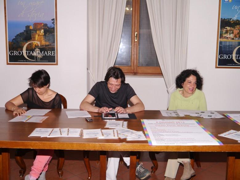 Cons. Monica Pomili, il Sindaco Piergallini, l'architetto Antonella Nonnis, Presidente di Fabbrica Cultura