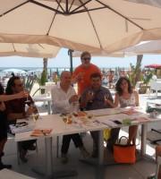 Il sindaco Remo Bruni, i consiglieri Paolo Polidori e Diana De Angelis, insieme ad alcuni organizzatori degli eventi estivi