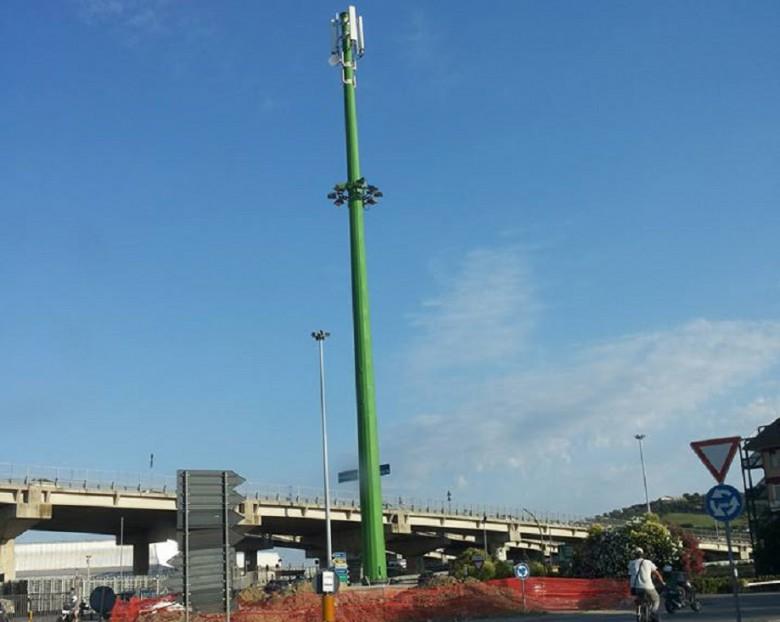 Antenna telefonica in Via Pasubio