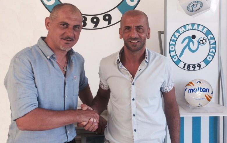 Il responsabile dell'area tecnica del Grottammare calcio Sebastiano Vecchiola col nuovo tecnico Roberto Vagnoni