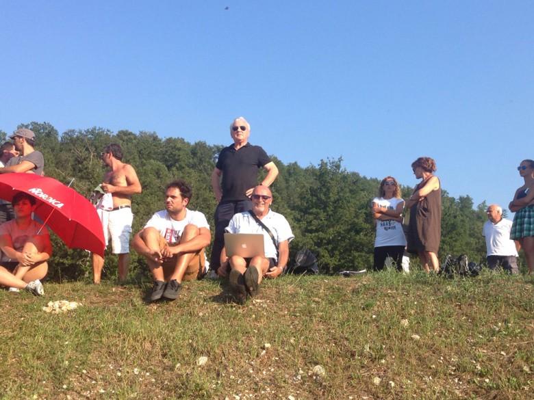 Il presidente Fedeli in piedi dietro la nostra postazione (Ph V. Perotti)