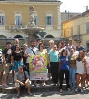 A Cupra torna La Corrida, nella foto alcuni partecipanti insieme agli organizzatori