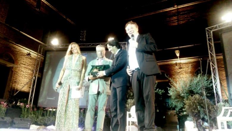 Cabaret Amoremio, Renato Pozzetto premiato con l'Arancia d'Oro