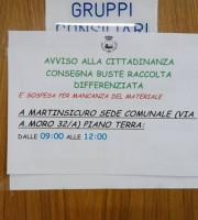 Il cartello esposto in Comune