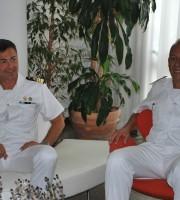 Il comandante Pappacena con il predecessore Lo Presti