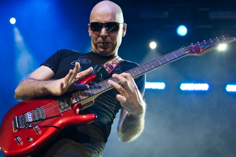 Joe Satriani (fonte www.lavocedeltrentino.it)
