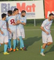 Esultanza Porto d'ascoli dopo il gol del momentaneo 2-1 contro l'Urbania firmato da Biancucci. Foto di Enrico Tassotti
